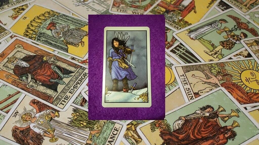 Carta de Tarot-El Nueve de Espadas
