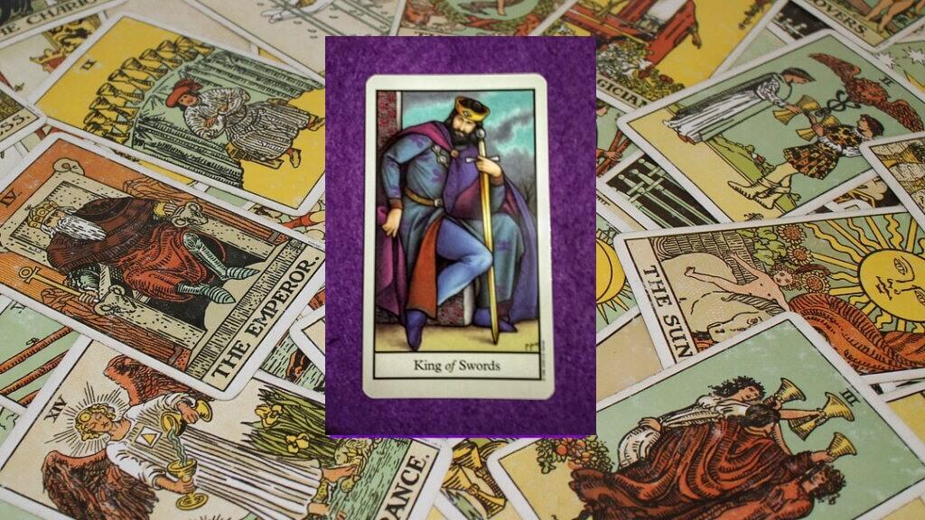 Carta de Tarot-El Rey de Espadas