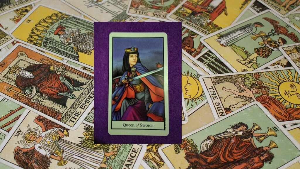 Carta de Tarot-La Reina de Espadas